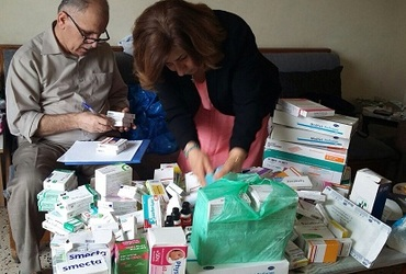 pascale warda brings medicine to Iraqi refuges in lebanon