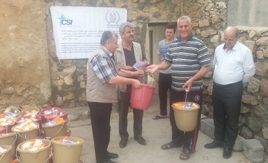 Hammurabi Human Rights Organization distributing 80 hygiene baskets to IDPs in Kwisanjaq, Armota, a neighborhood in Erbil and the annunciation monastery of the Dominican sisters.