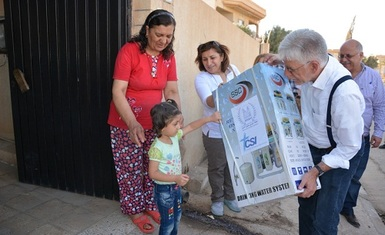 A joint relief team of Hammurabi Human Rights Organization and the Christian Solidarity International (CSI) head to Tellesqaf and Baqofah towns and distribute (227) domestic water filtration and desalination system
