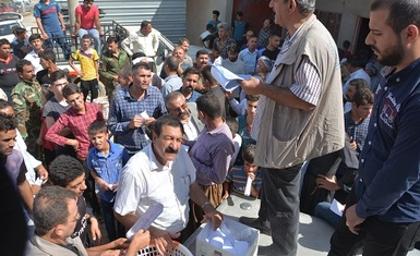 Hammurabi Human Rights Organization includes (560) returned  Kakis `families in Wardek village with a relief program that includes hygiene  baskets